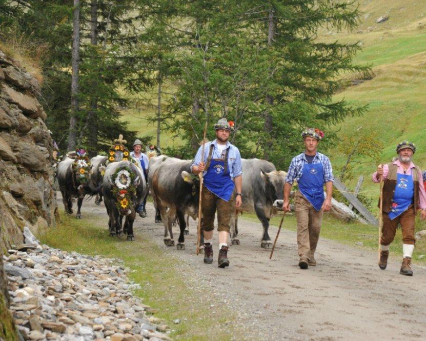 Festa di rientro dagli alpeggi a Plan, Val Passiria