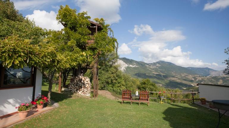 Casa sull'albero dell'agriturismo Aperegina, in Abruzzo