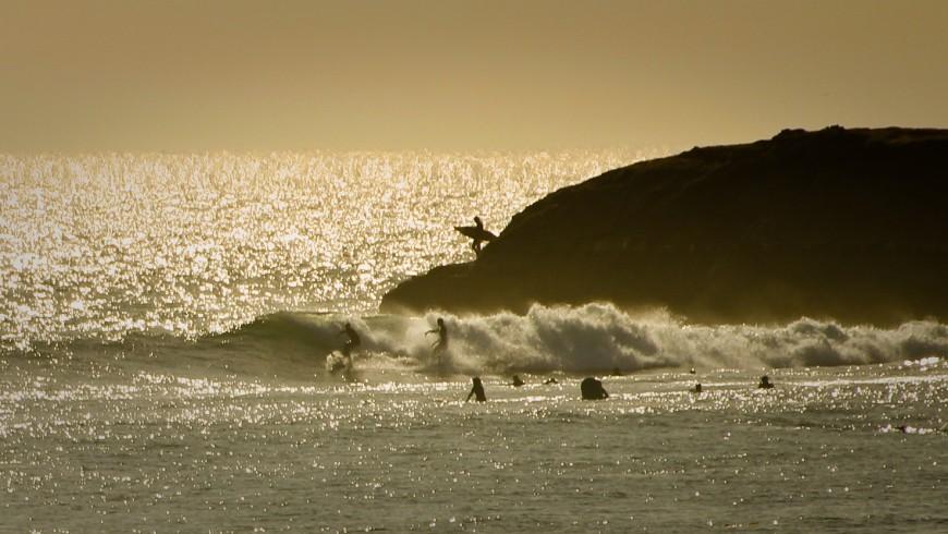 Santa Cruz, California: ammirare le acrobazie dei surfisti sul litorale di Steamer Lane