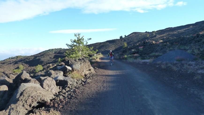 La Pista Automontata, il giro dell'Etna in mountain bike