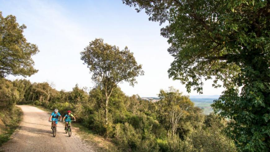 La maremma in mountain bike