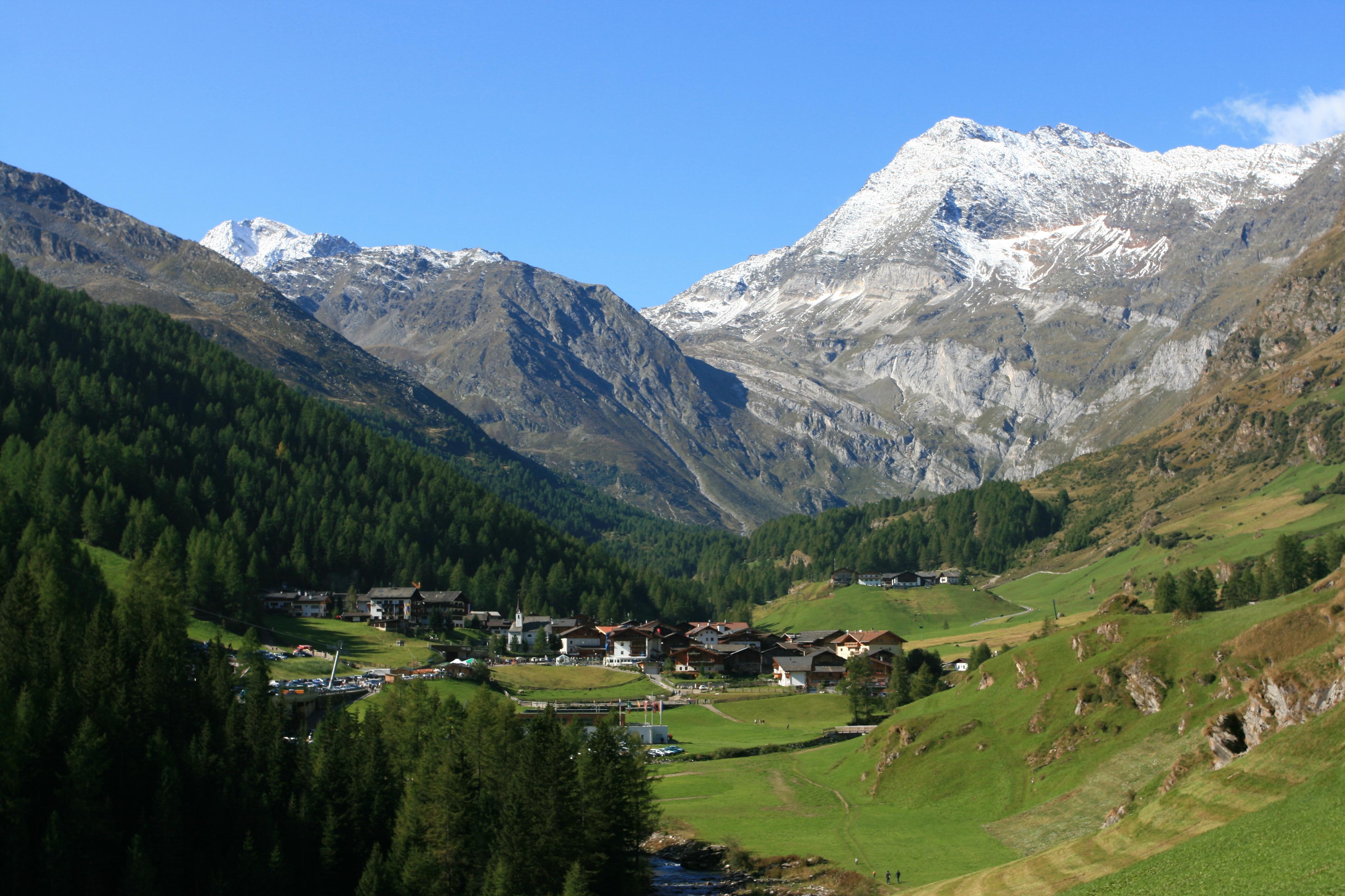 Moso in Passiria, vista panoramica della bellissima perla alpina dell'Alto Adige