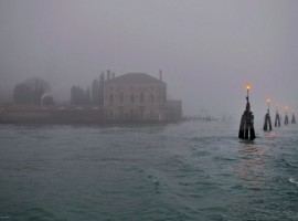 Il Casino degli Spiriti di Venezia avvolto dalla Nebbia