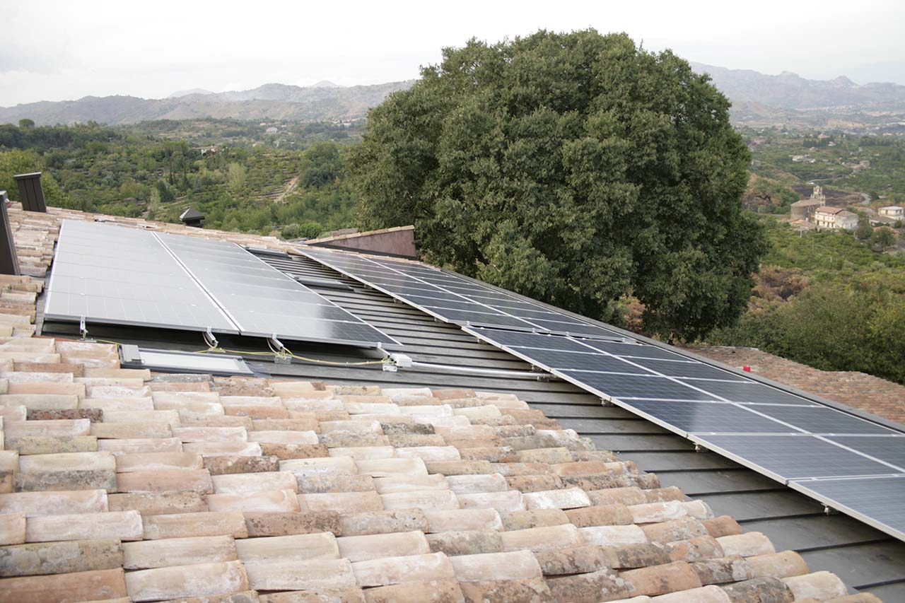 Agriturismo Biologico BagolArea, impianto fotovoltaico per garantire l'energia rinnovabile, Etna, Sicilia