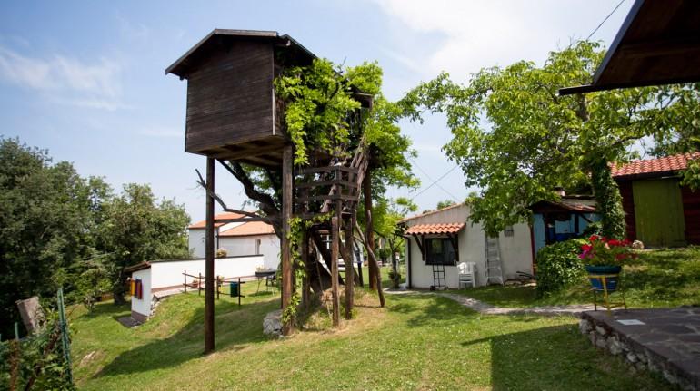 Weekend romantico su una casa sull'albero