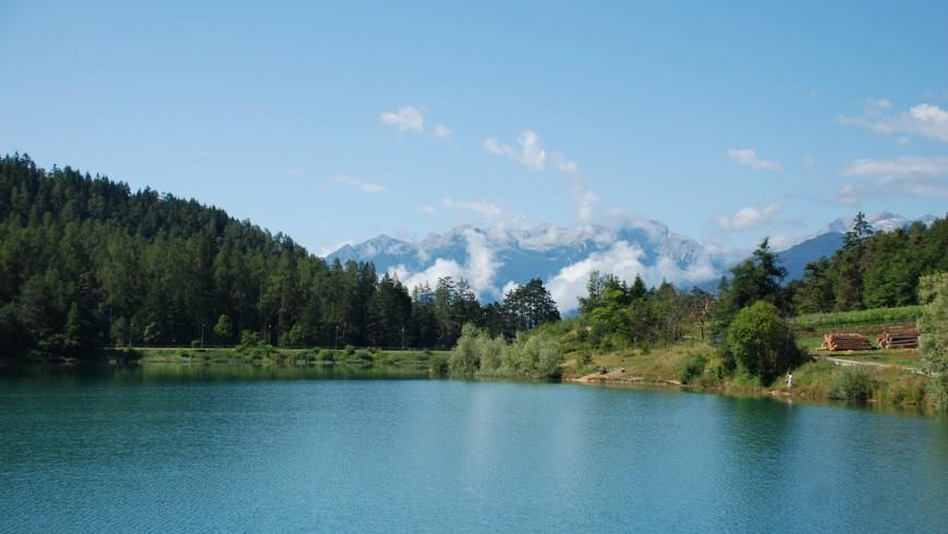 Lago di Tavon. Il Trentino è una regione perfetta per viaggi di gruppo