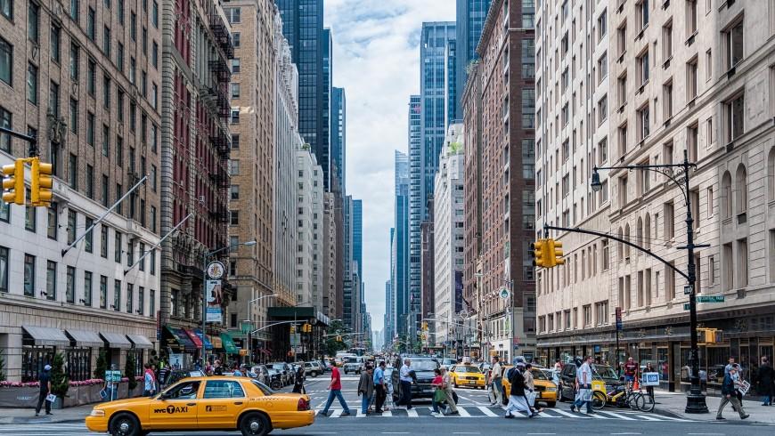 10 cose da fare prima di partire per gli Stati Uniti, tra adattatori, visti ESTA USA e piani tariffari.