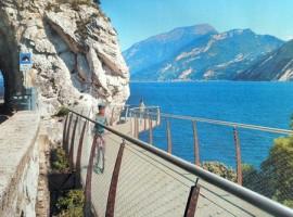 Una nuova e spettacolare pista ciclabile sul Lago di Garda