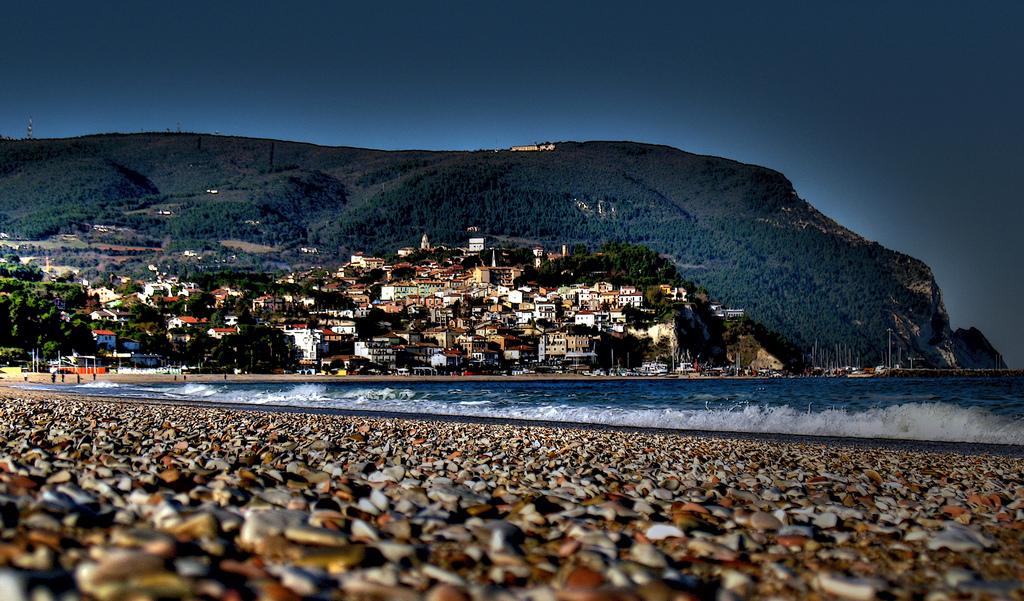 La spiaggia di Ancona, Marche