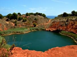 Lago di Brauxite. Salento, non solo mare