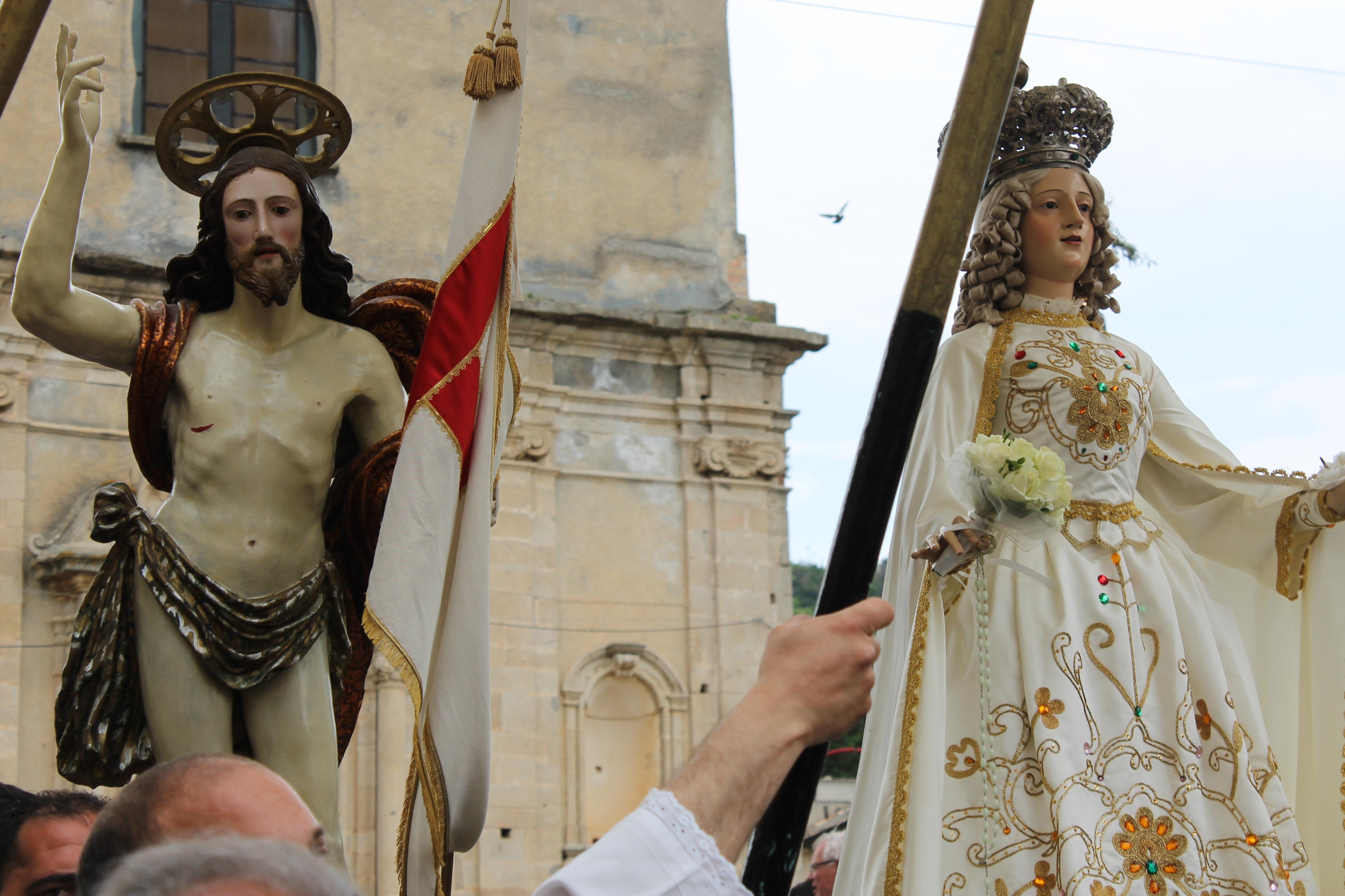 Processione di Pasqua a Badolato, Calabria