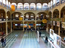 Bologna, Sala Borsa, Biblioteca
