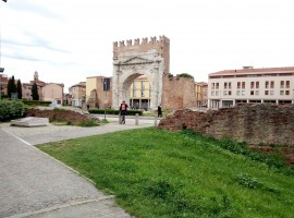 Rimini fuori stagione - porta della città