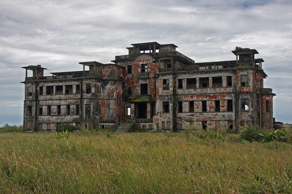 la città fantasma di Bokor, Cambogia