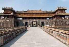uno dei palazzi della Cittadella di Huè, Vietnam