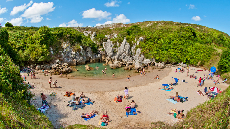 Le 30 spiagge più belle in Spagna: Playa de Gulpiyuri