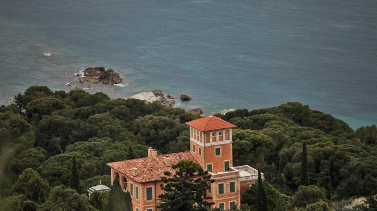 Una vacanza fuori dal mondo davanti al mare della Liguria