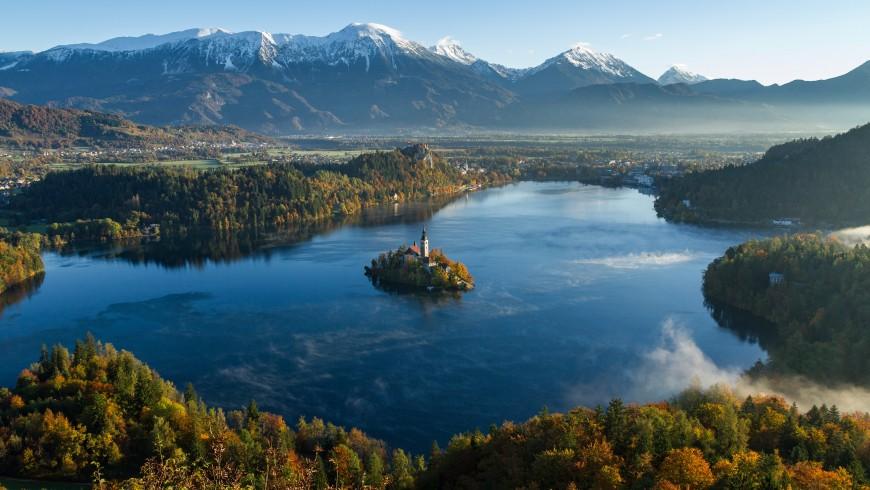 Il Lago di Bled, raggiungibile con la Transalpina