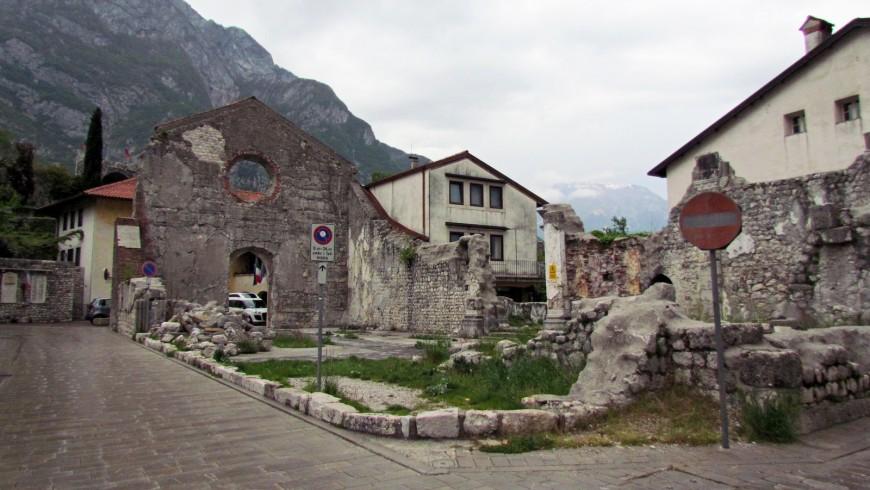 Venzone, lungo la ciclovia Alpe Adria