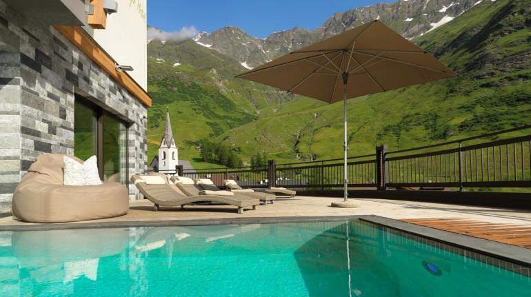 Lusso in alta quota: eco-hotel tra le Alpi
