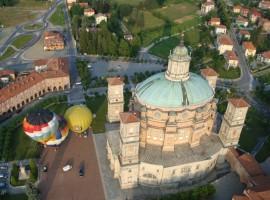 La bellissima città di Mondovì, vista dall'alto con le mongolfiere