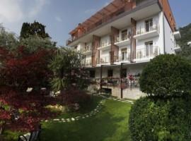 Viaggiare in auto elettrica in Italia: hotel Ariston, Lago di Garda