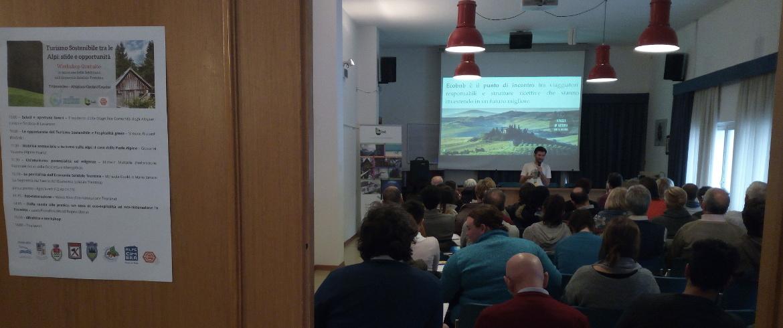intervento di Simone Riccardi durante il workshop sul Turismo Sostenibile a Lavarone