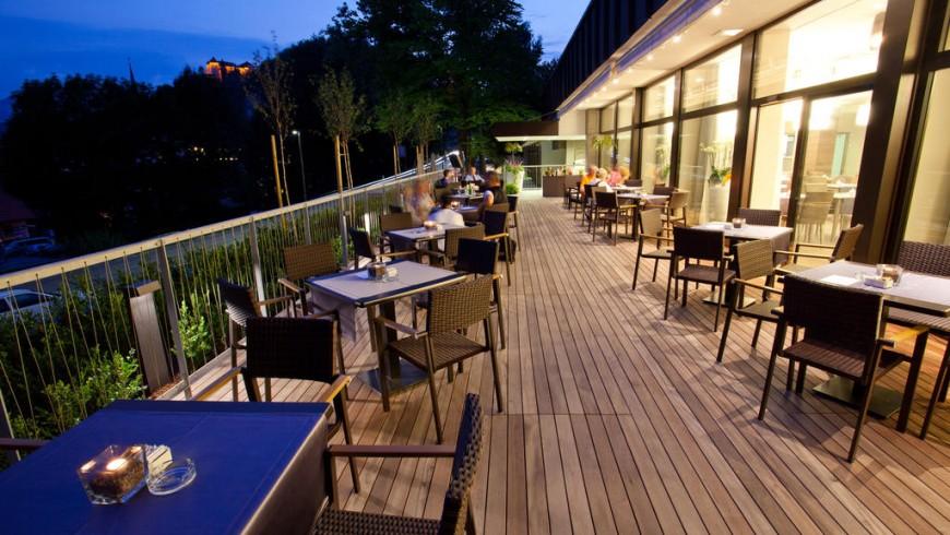 Tavolini e ristorante dell'Hotel Astoria, Bled