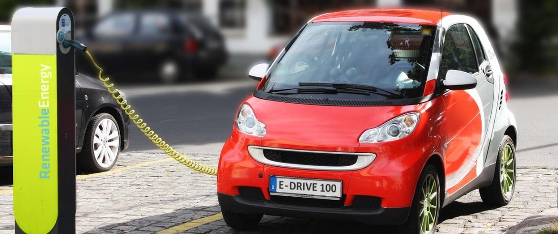 Il futuro si muove in auto elettrica