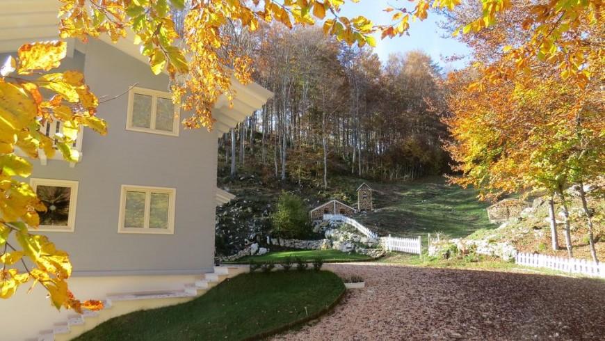 aunus Lessinia, una casa circondata dal silenzio e dai boschi della Lessinia
