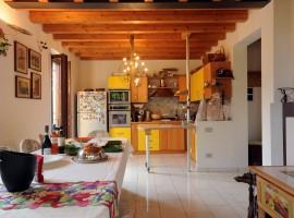 Sala da pranzo di Casa Francesca, Lago di Garda