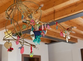 B&B Casa Francesca, sul Lago di Garda,Lampadario artistico e di recycling