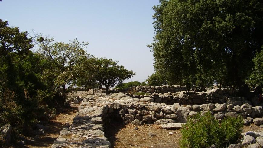 Santuario nuragico di Santa Vittoria, mobilità slow, foto di Wikimedia Commons