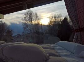 Dormire in una vera funivia: un'idea insolita e romantica, e anche eco-sostenibile