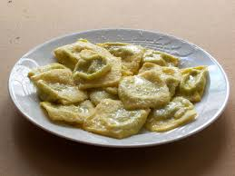 Parma, piatto di tortelli, tipico della cucina di Parma