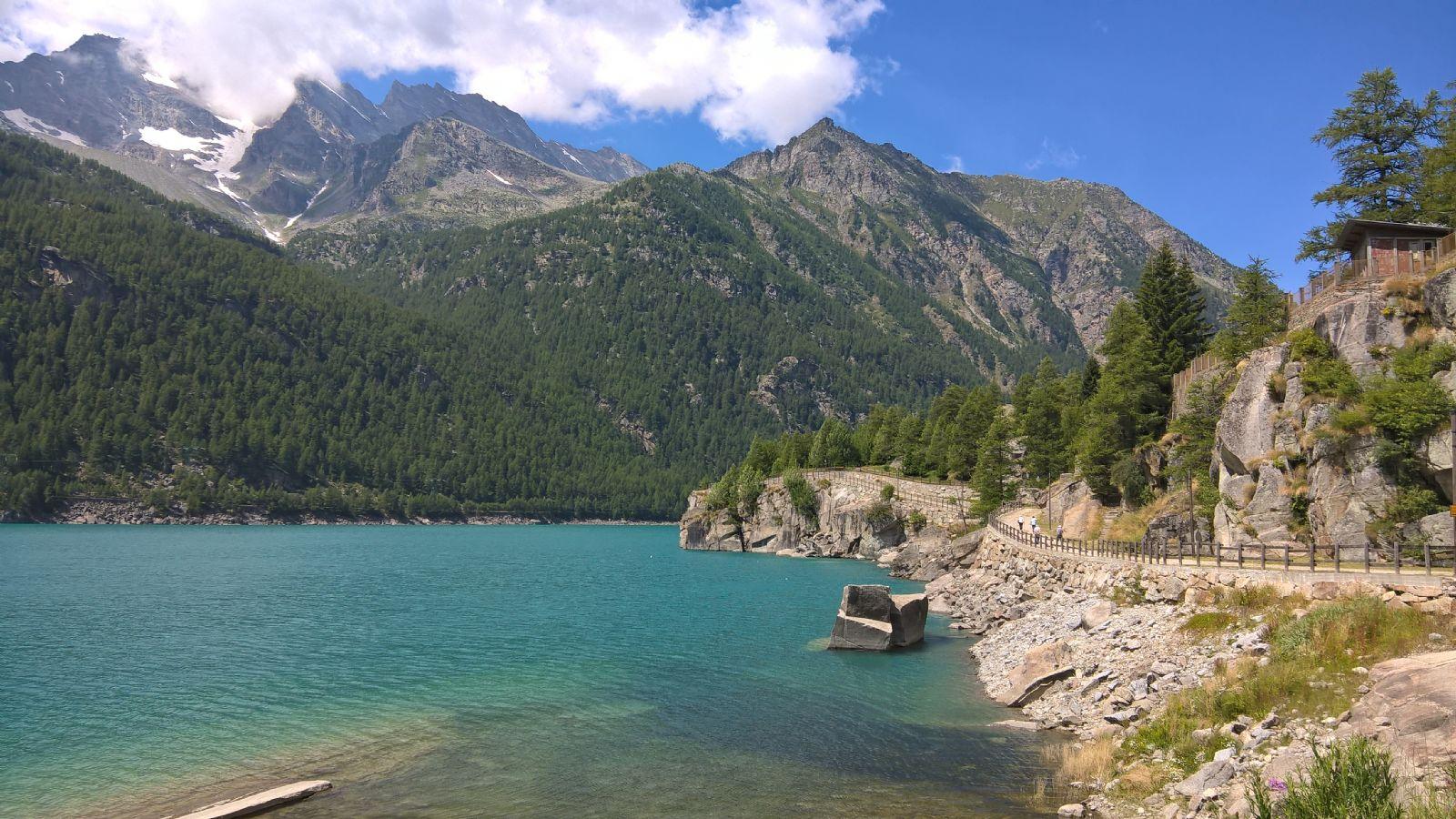 Percorso accessibile lungo il lago di Ceresole Reale