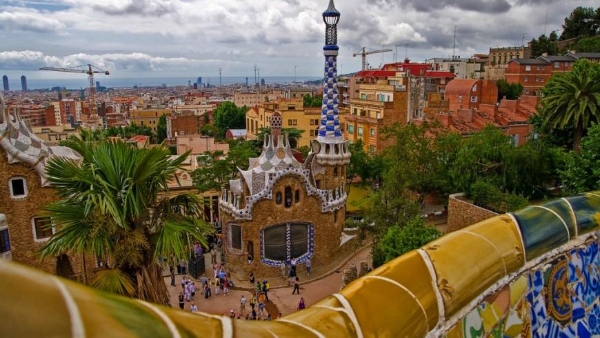 Parc Güell, Barcellona, mete a colori, foto di Umberto Nicoletti via flickr