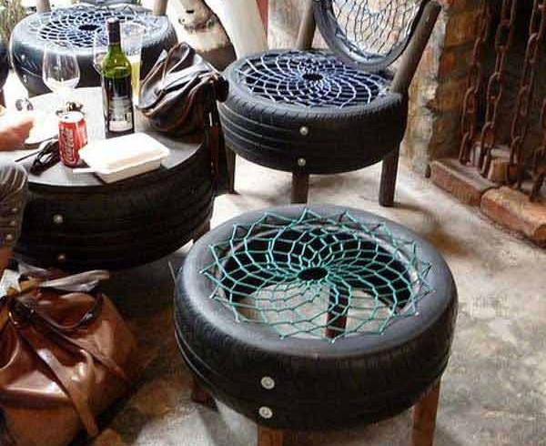 Living room ricavato da pneumatici, idee creative per il giardino, foto via Pinterest