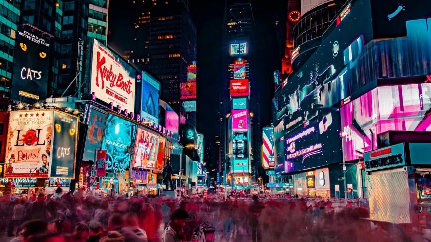 New York, mete a colori, foto di Joe Yates via Unsplash