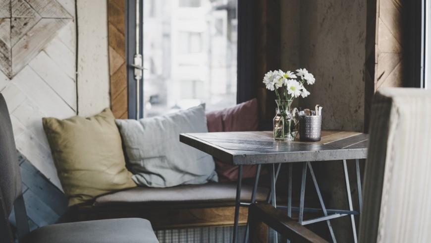 casa, soggiorno con tavolino