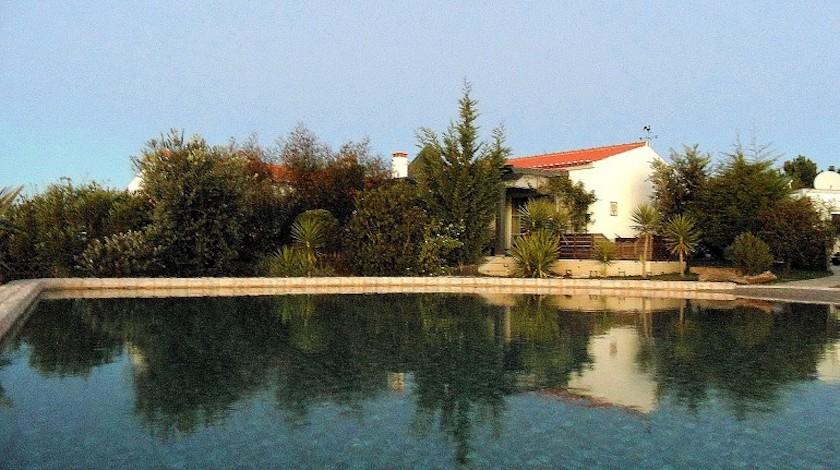 Fuga di benessere naturale - Piscina naturale in una struttura ecosostenibile del Portogallo