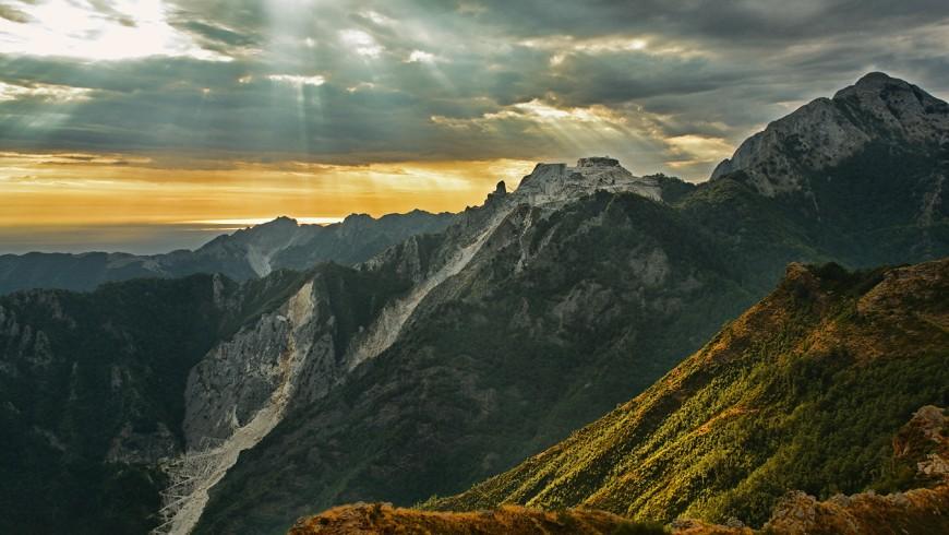 Alpi Apuane: camminare dalle Alpi Apuane attraverso l'appennino