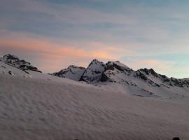 Paesaggio incantato dal Rifugio Sogno di Berdzè.