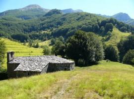 A piedi tra le Alpi Apuane