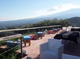Tenuta Opuntia, una struttura ricettiva ecosostenibile perfetta per lo yoga, a pochi km da Taormina, Sud Italia