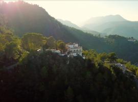 Casa Tarsan: trova l'armonia con l'ambiente grazie allo yoga