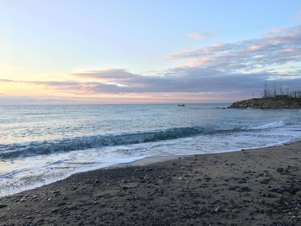 Mare e spiaggia, a Bordighera, Liguria