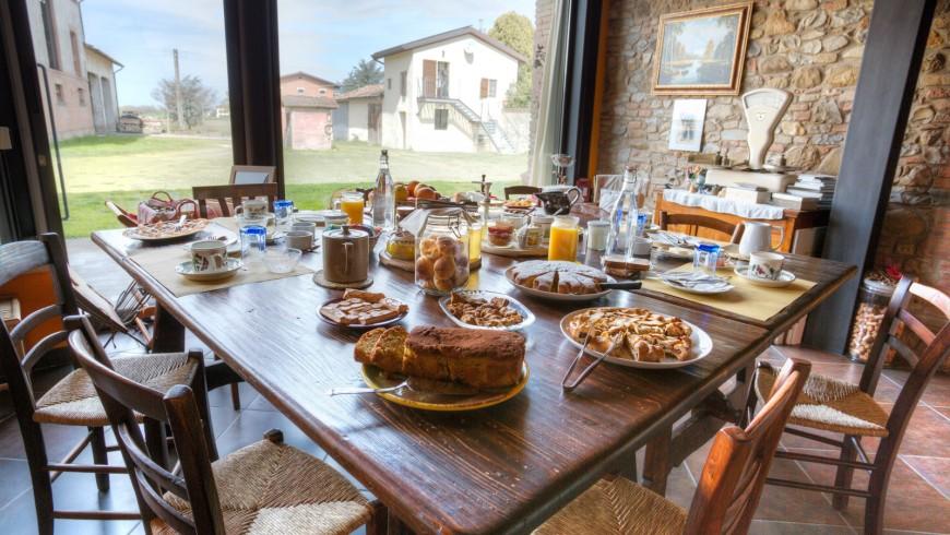 Vacanza golosa alla scoperta delle radici del cibo italiano tra i colli di Parma