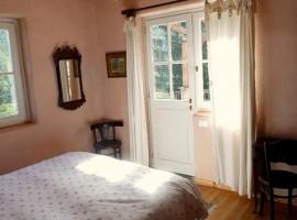 Dormire in una casa di paglia per scoprire i sapori della Liguria