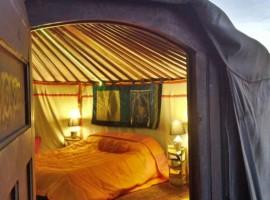 un'idea per soggiornare in modo eco-sostenibile: la tenda yurta